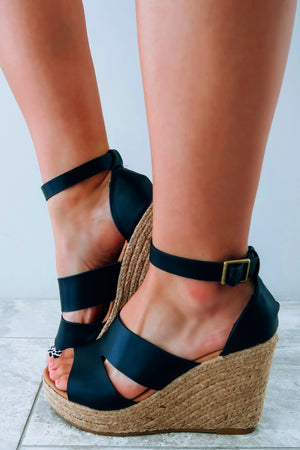 Goes With All Wedges: Black