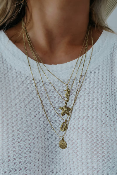 Beach Babe Necklace: Gold