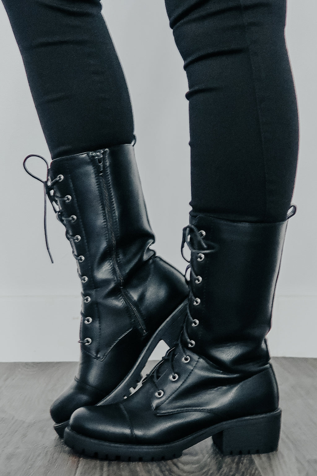 Full Of Wonder Boots: Black