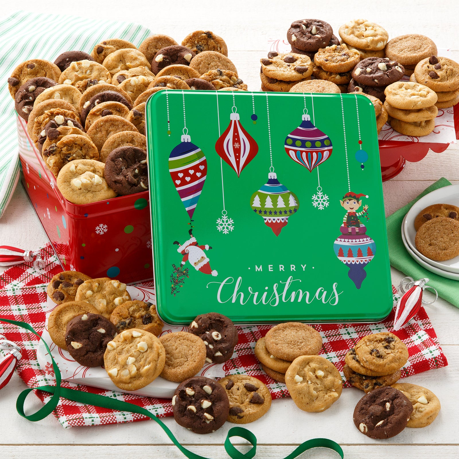 Mrs. Fields. Merry Christmas 90 Nibblers® Bite-Sized Cookie Tin