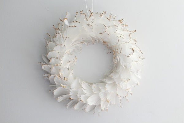 White Feather Wreath - Pop Roc Parties