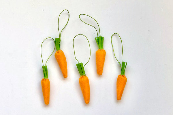 Hanging Felt Carrot Decorations | Pop Roc Parties