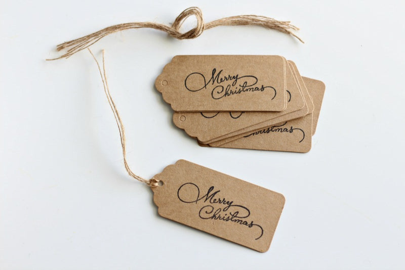 Kraft Scallop Edge 'Merry Christmas' Stamped Gift Tags - Pop Roc Parties