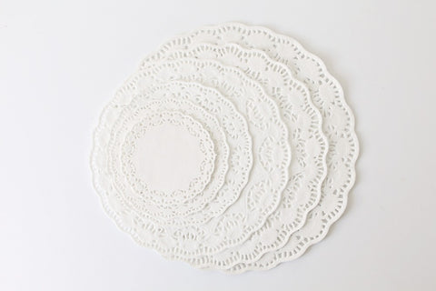 14cm Round White Paper Doilies