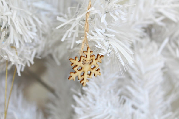 Mini Wooden Snowflake Decorations | Pop Roc Parties