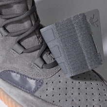 Load image into Gallery viewer, YEEZY 750 GREY GUMBOTTOM