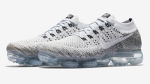 Load image into Gallery viewer, Nike Air VaporMax Flyknit 'Oreo'