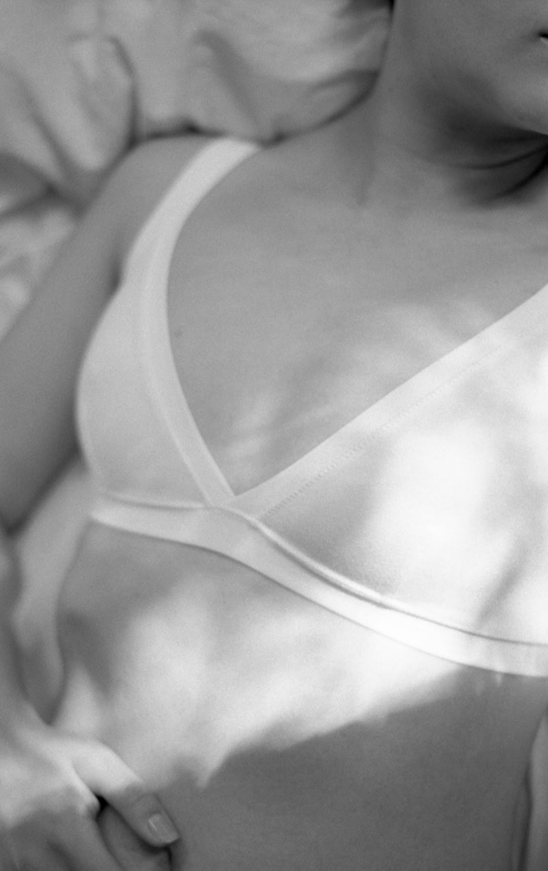 Monochromatic Triangle Bra
