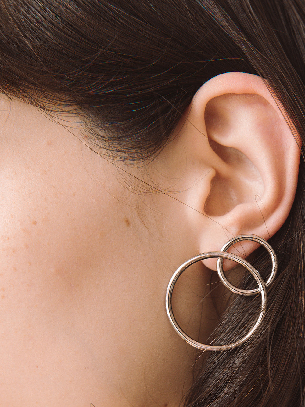 Justine-Clenquet-Lea-Earrings-Circles-Detail