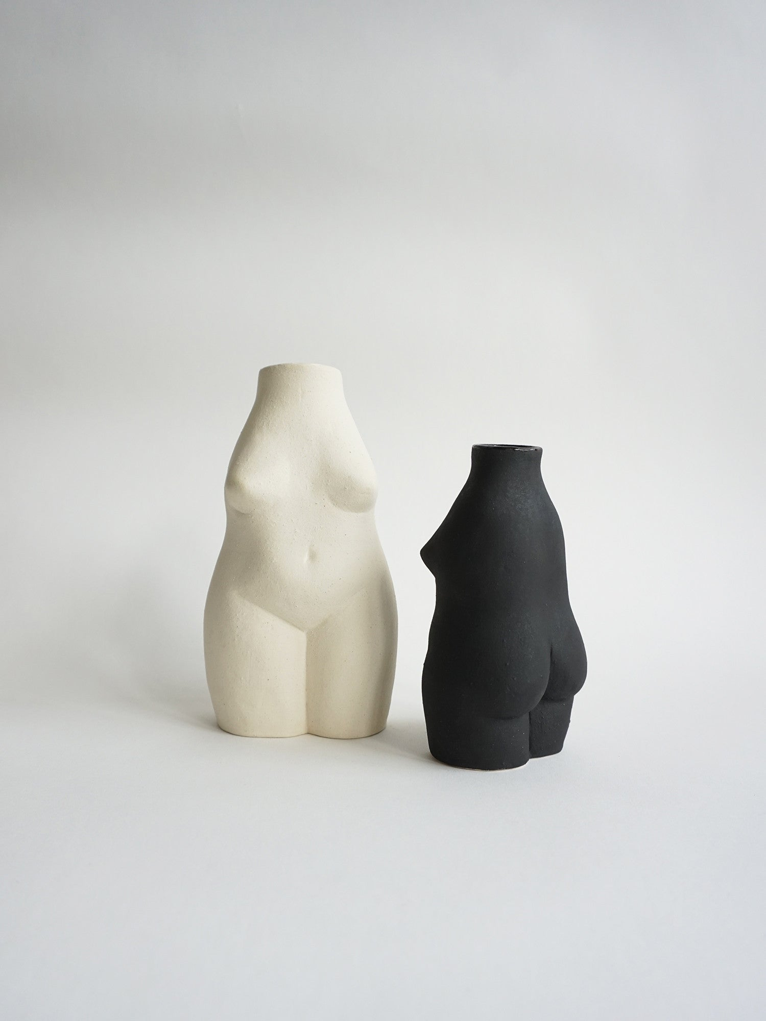 Woman Vase Small / Black
