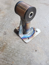Load image into Gallery viewer, 1G FWD Manual Rear Enging Mount / Roll Stop