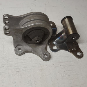 6G75 Automatic Transmission Mount