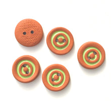 "Load image into Gallery viewer, Lime Green Concentric Circle Ceramic Buttons on Terracotta Clay - 11/16"" - 5 Pack"