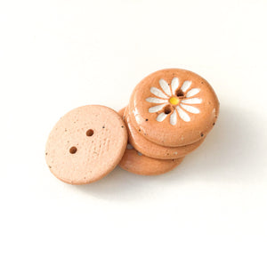 "White Daisy Buttons on Brown Clay - Ceramic Flower Buttons - 3/4"" - 4 Pack (ws-268)"