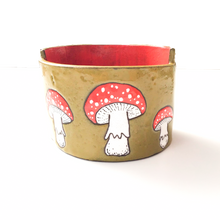 Load image into Gallery viewer, Fly Agaric Ceramic Planter (Amanita muscaria) - Mushroom Pottery Bowl