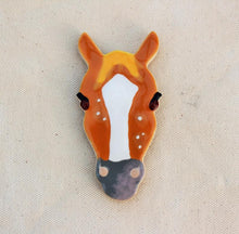 Load image into Gallery viewer, Horse Magnet - Horse Head Magnet - Strawberry Roan Horse