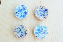 Load image into Gallery viewer, Ceramic Magnet Set -White/Blue