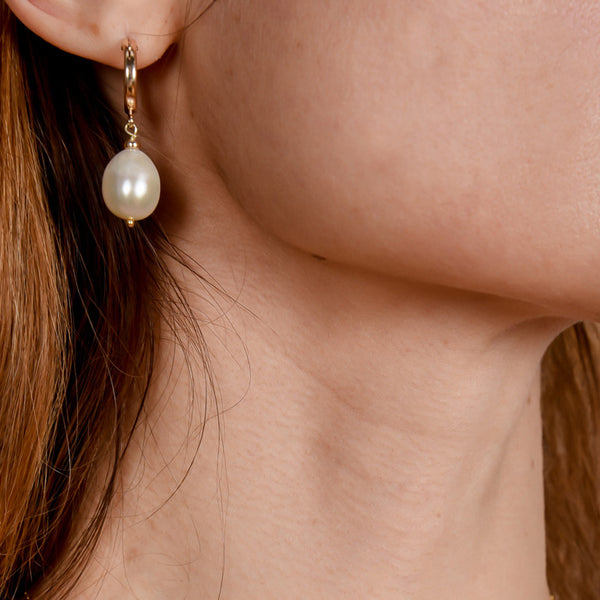 Romantic Pearl Hoops