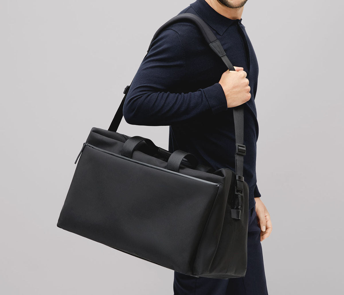 Luxury light duffle bag in black