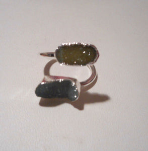 Handmade 2 stoned Agate/Druzy crystal Ring, Blue & yellowish green Size 7.5