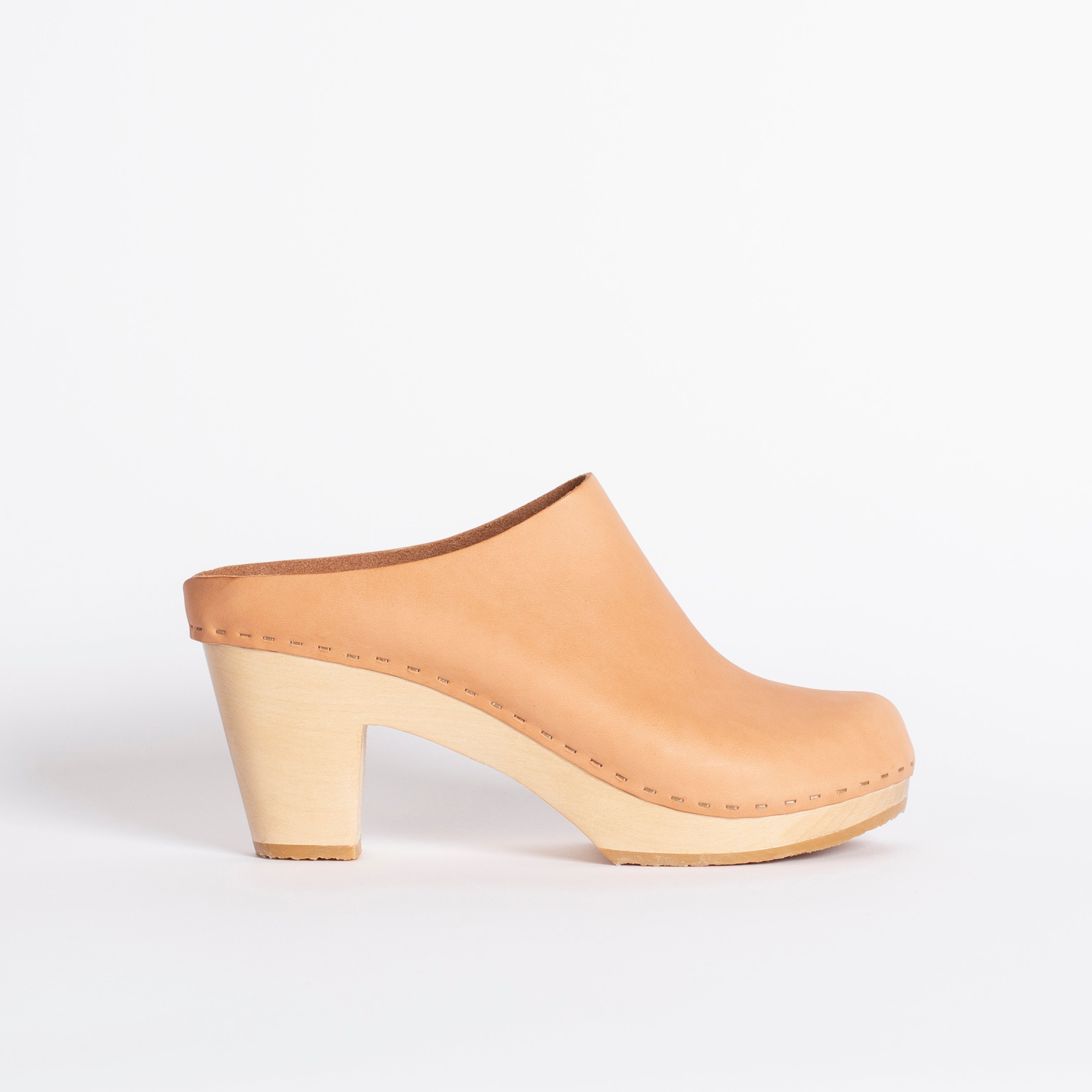 Chloe clog, Natural leather