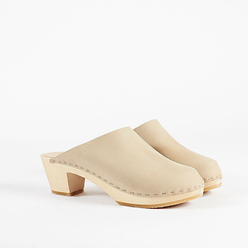 Clementine Closed Toe Clog, Mid Heel
