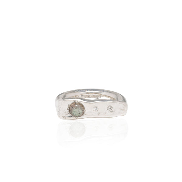 flat top ring with diamonds
