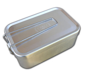 When not in use, ESEE's survival kit tin folds up for compact storage in the Kit Pouch.
