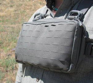 A foliage gray Heavy Recon Kit bag in use.
