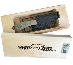 Each Sendero Pack Knife comes in an attractive wooden presentation box.