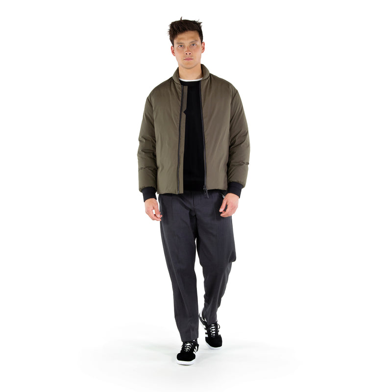 https://cdn.shopify.com/s/files/1/0171/1787/2228/files/RFC_Down_Jacket_Walking_Video.mp4?7658