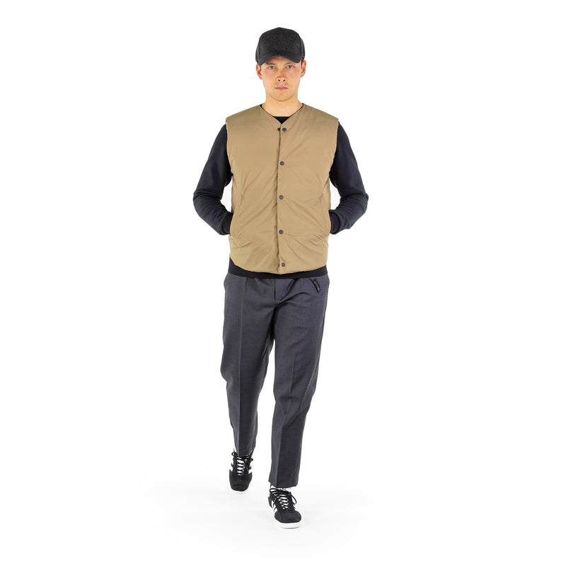 https://cdn.shopify.com/s/files/1/0171/1787/2228/files/V_Neck_Down_Vest_Walking_Video_2.mp4?5549