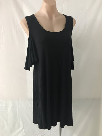 Cold Shoulder Dress {Black}