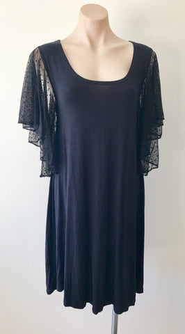 Flutter Sleeve Dress {Black}