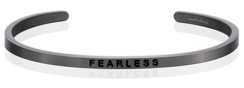 products/Fearless__bracelet_-_moon_gray_-_Mantraband..jpg