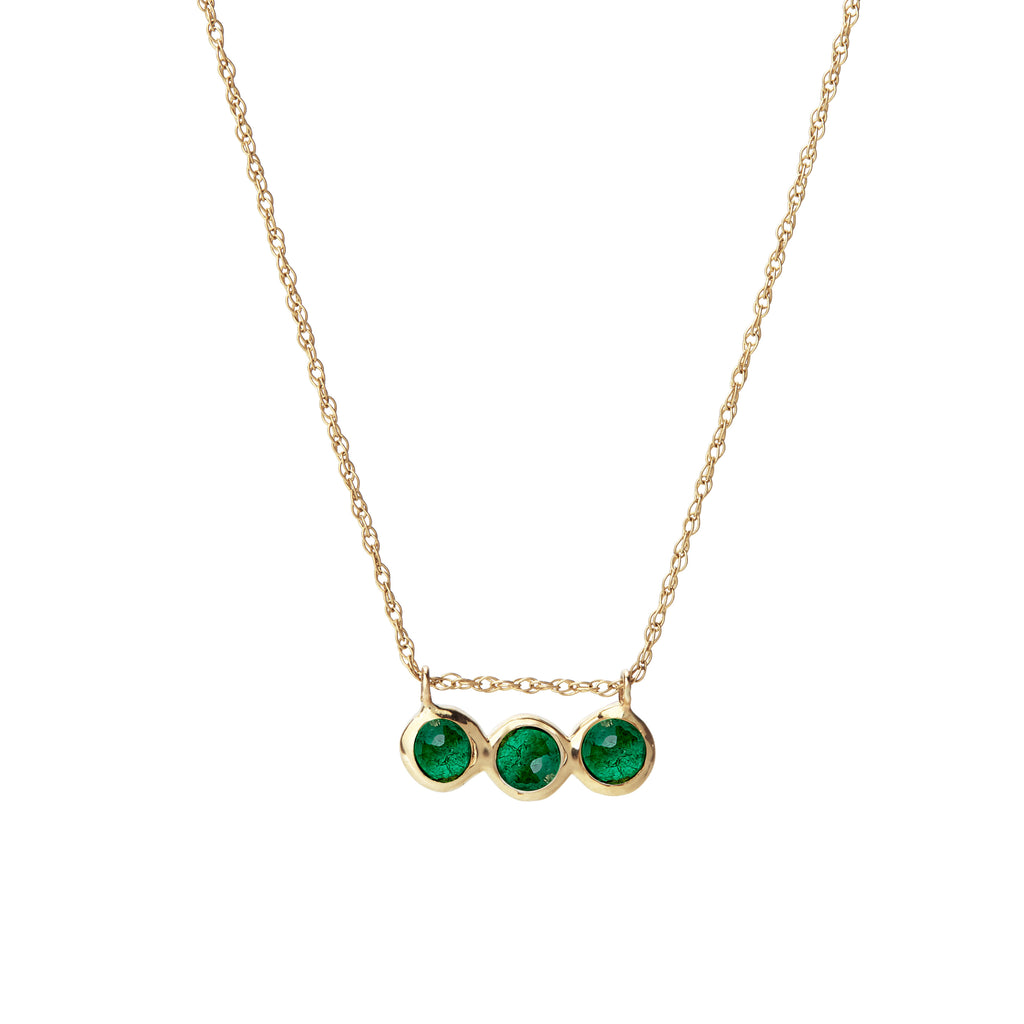 emerald three stone necklace
