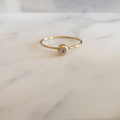 blanca monrós gómez | seed ring: yellow gold & 2.2mm white diamond