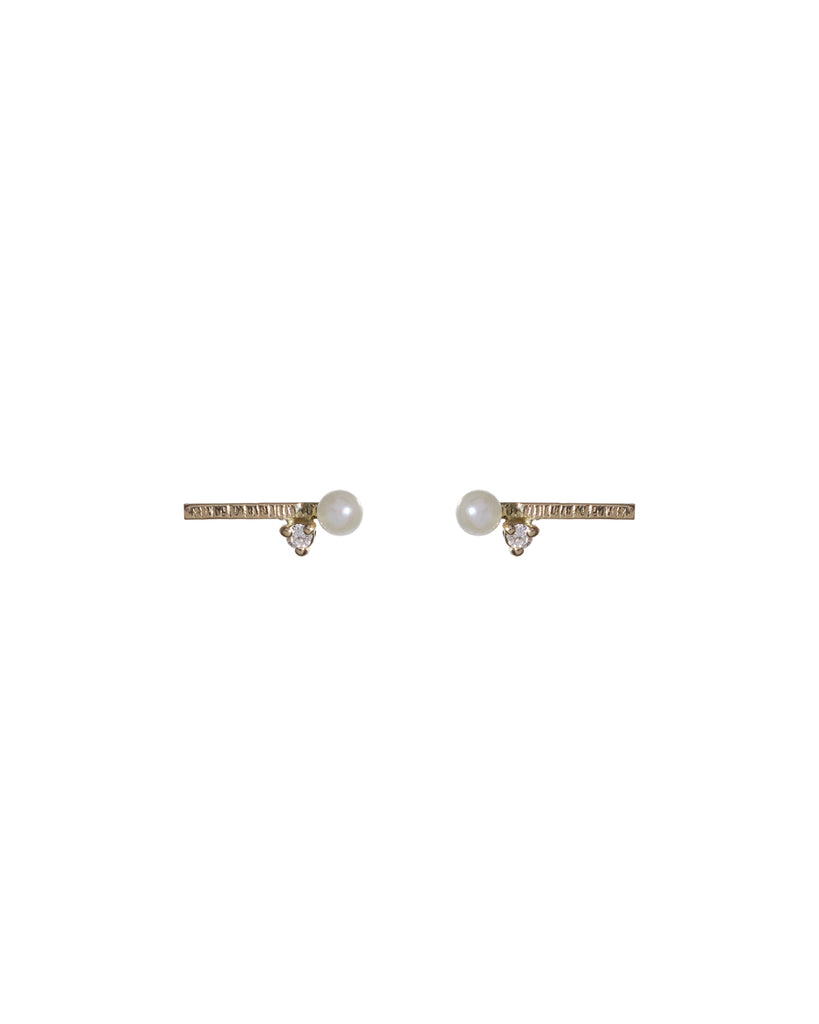 short camille pearl studs