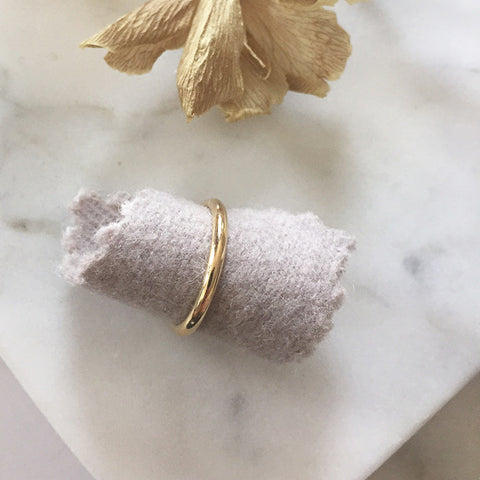 18k yellow gold half round band