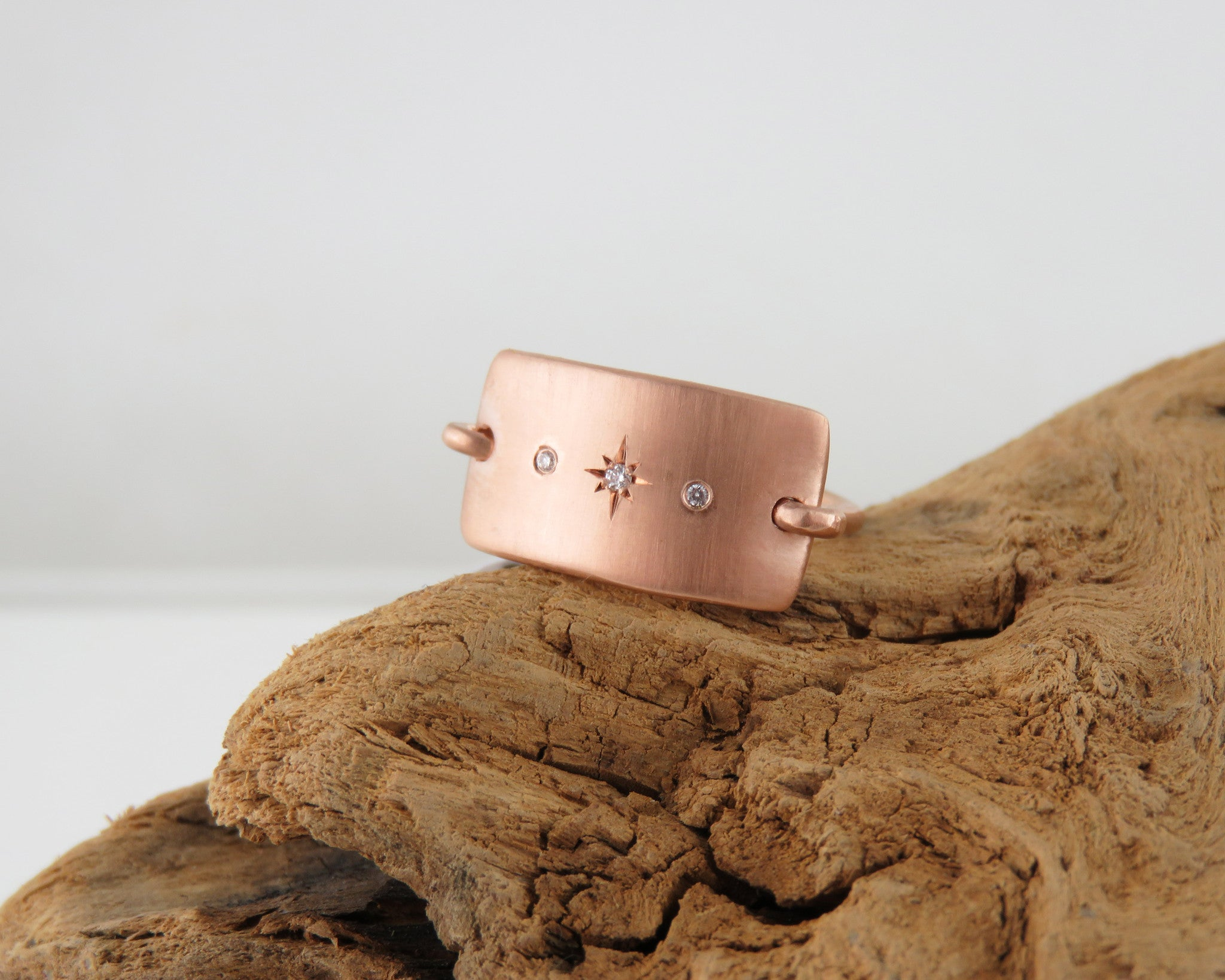 Rose gold starburst ring