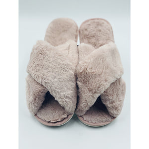 FLUFFY FLUFF SLIPPERS