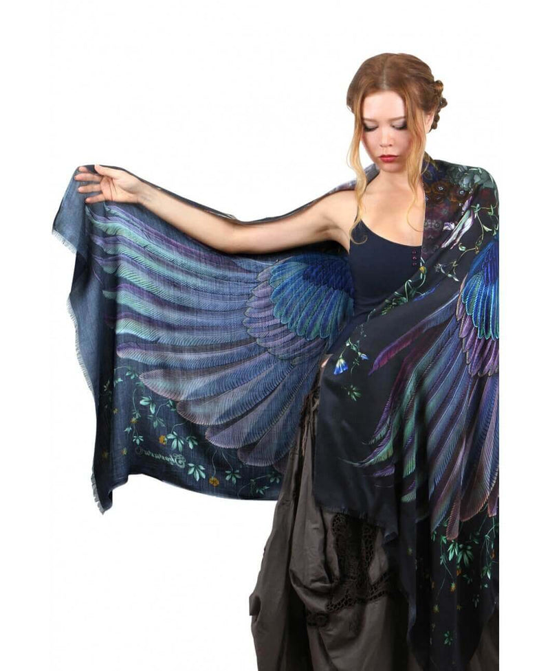 Onyx bird feathers Scarf
