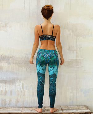 Aqua Lace yoga leggings