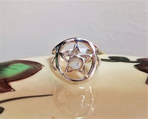 Beautiful Pentacle Ring Sterling Silver w/ Moonstone