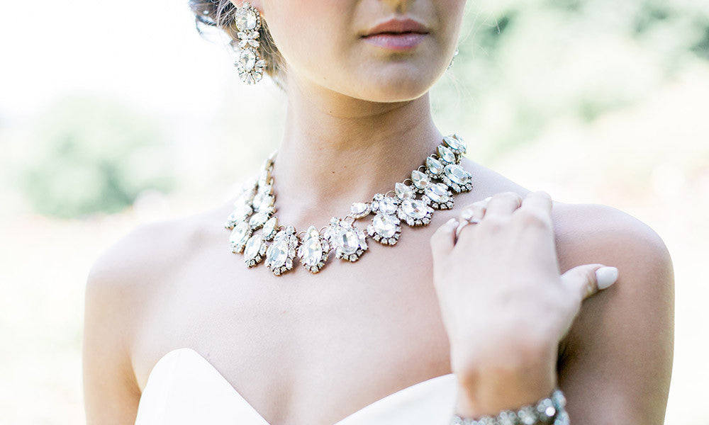 How to Pick the Perfect Wedding Jewelry for your Dress Olive