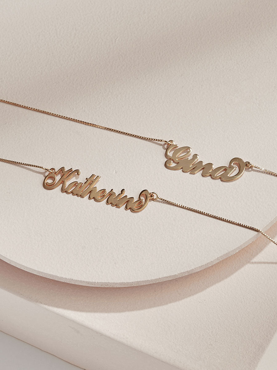 Signature Carrie Custom Nameplate Necklace Olive Piper