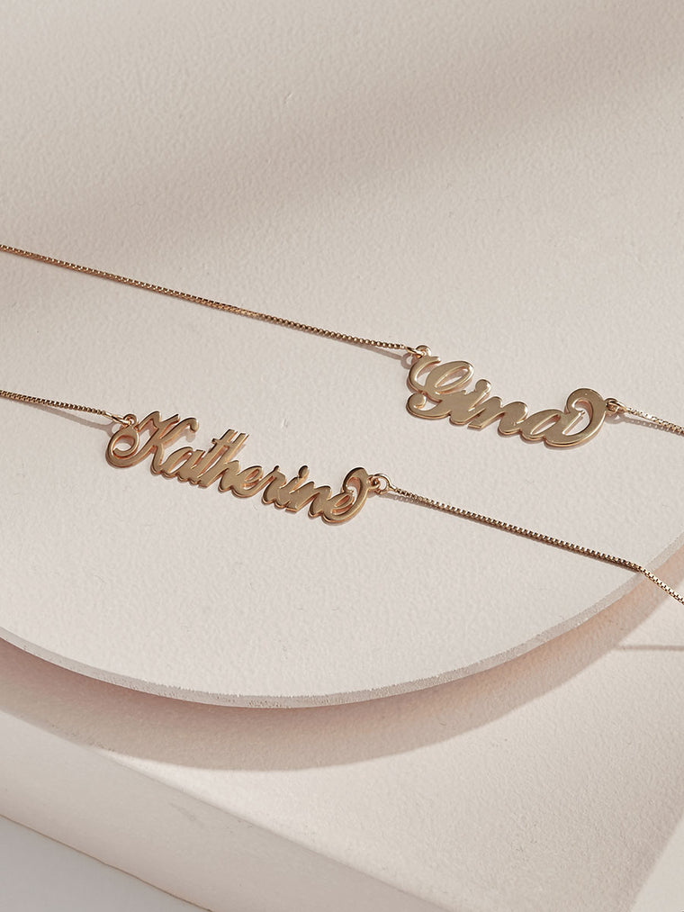 The Signature Carrie Necklace