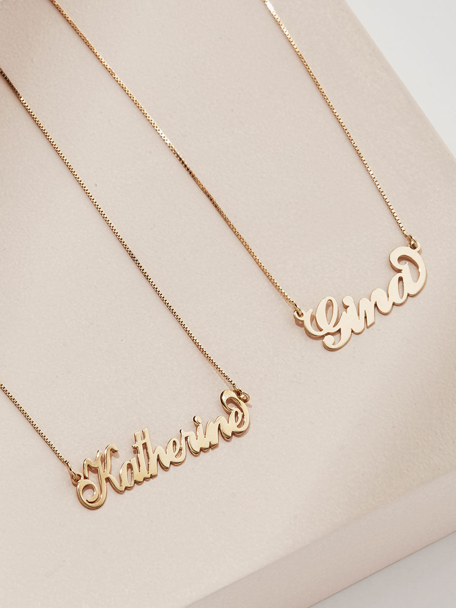 olive + piper Carrie Signature Customized Name Plate Necklace