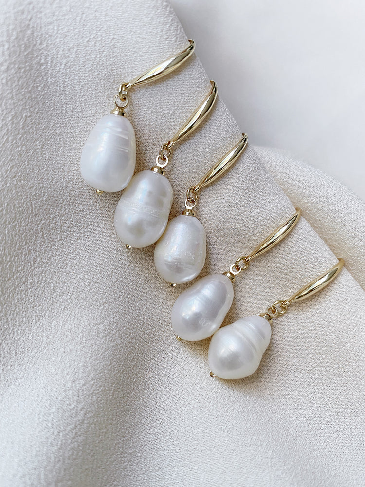 Load image into Gallery viewer, olive + piper Prado Freshwater Pearl Drop Earrings
