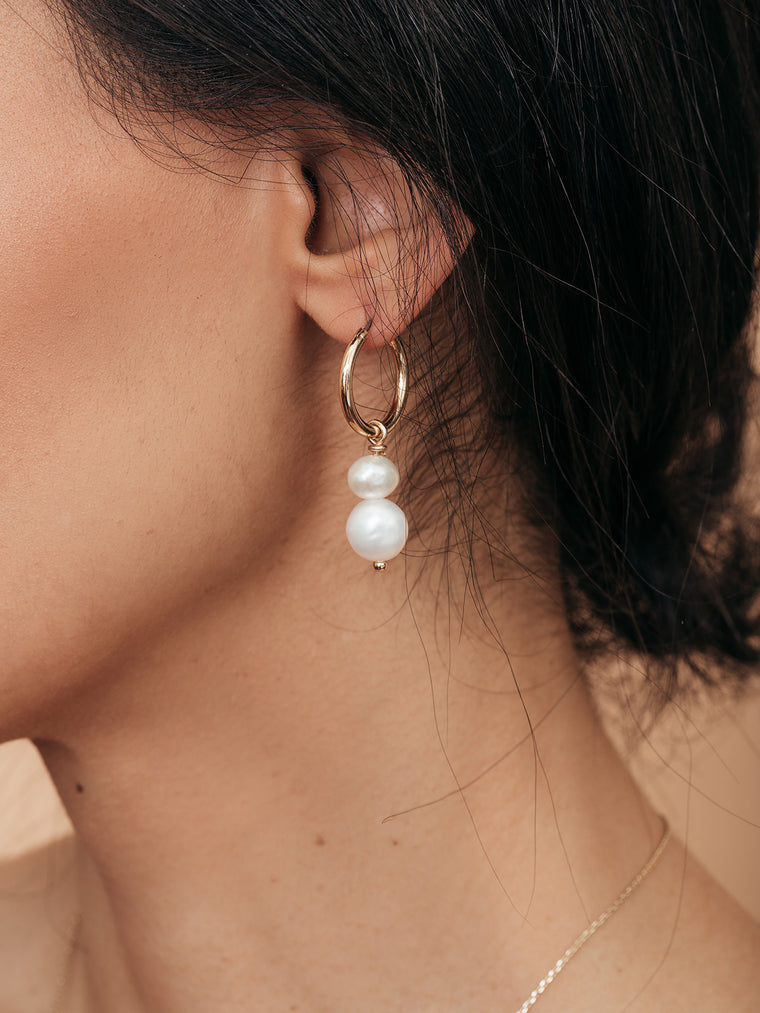 olive + piper Asymmetrical Freshwater Pearl Drop Earrings
